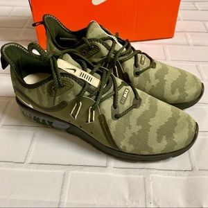 New Men's Nike Air Max Sequent 3 US 9.5 Camo